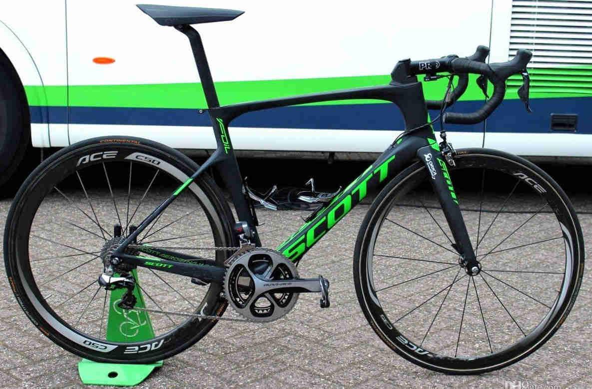 Foil Green road bike